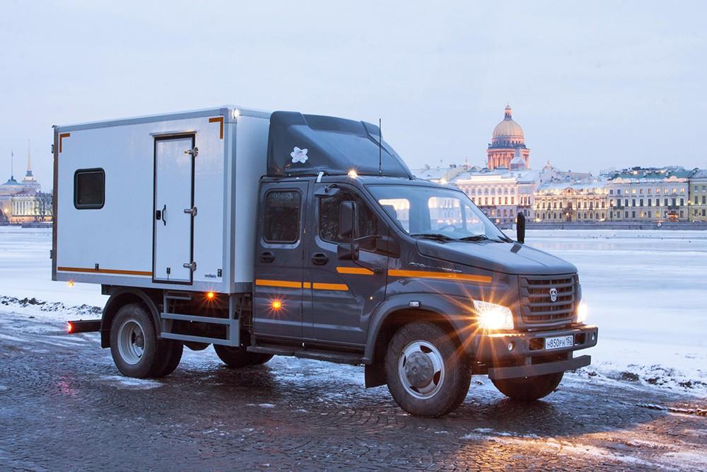 хомилани киз новый газон грузовик фото бесплатно бездомных